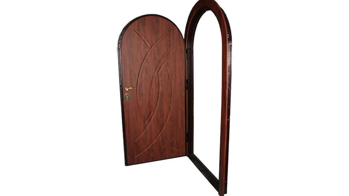 Арочная металлическая дверь